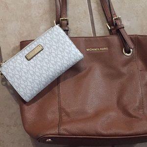 Michael Kors purse and wristlet wallet